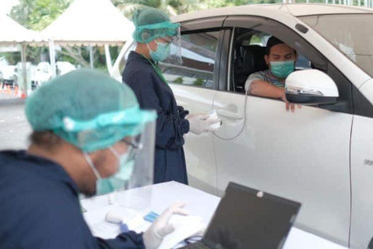 A drive-thru Covid-19 vaccine