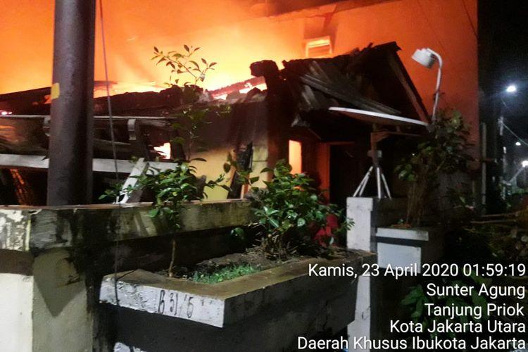 Kebakaran di Sunter Agung, Tanjung Priok, Jakarta Utara Kamis (23/4/2020)