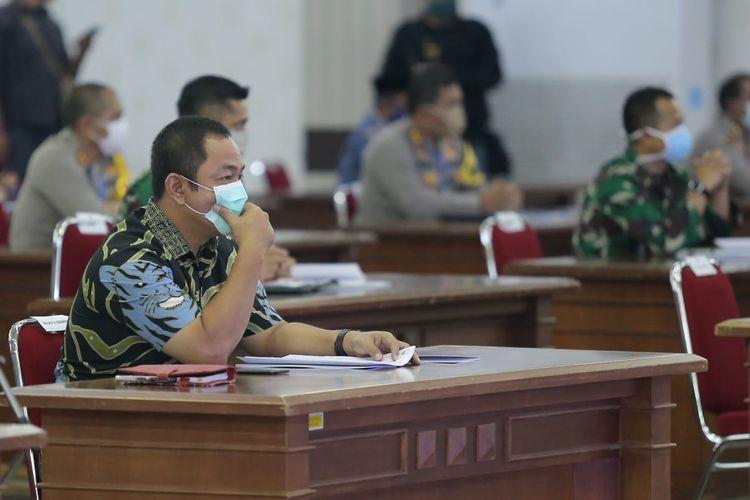 Wali Kota Semarang Hendrar Pihadi mengumumkan Pemkot Semarang akan memberlakukan PKM  mulai Senin (27/04/2020).