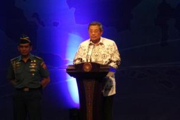 Presiden Susilo Bambang Yudhoyono di Hari Guru Nasional 2013 dan HUT ke-68 PGRI, di Istora Senayan, Jakarta, Rabu (27/11/2013).