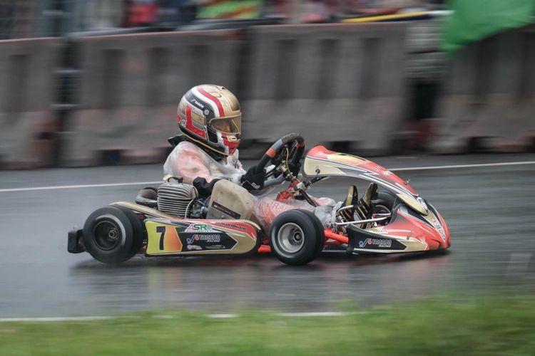 Pegokar muda, Qarrar Firhand Ali, tampil pada putaran 6 ajang latihan bersama Eshark Rok Cup Indonesia, di Sentul International Karting Circuit, Minggu (1/11/2020).