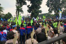 Demo di Gedung Sate, Massa Buruh Minta Ridwan Kamil Evaluasi SK UMK 2020