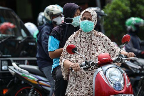Selain Pakai Masker, Naik Motor Selama PSBB Juga Wajib Pakai Helm