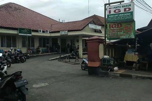 Tangani Suspect Corona, Petugas Pakai Jas Hujan Plastik dan Sepatu Bot