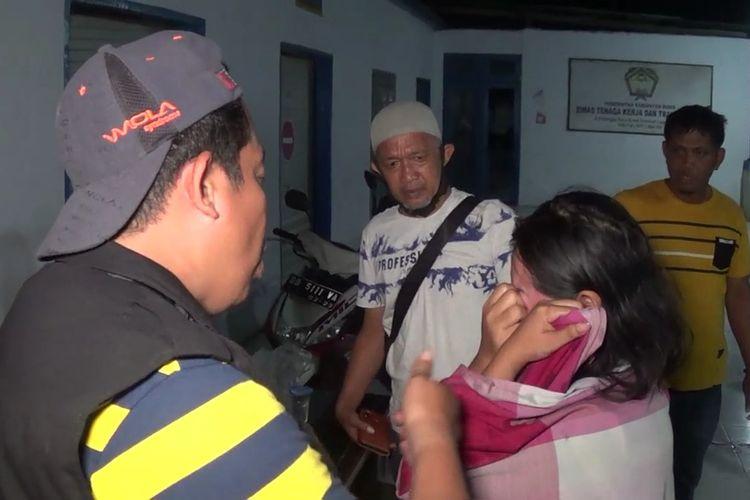 Tiga wanita yang merupakan sindikat pencurian dibekuk aparat gabungan Tim Anti Bandit Polres Gowa dan Unit Reskrim Polsek Tellusiattingnge, Polres Bone di Kecamatan Bontonompo Selatan, Kabupaten Gowa, Sulawesi Selatan. Kamis, (19/11/2020).