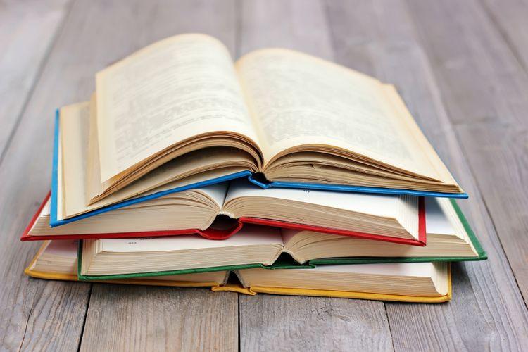 Teks eksplanasi dalam buku