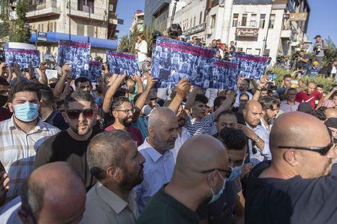 Pengunjuk Rasa Tuntut Presiden Palestina Mundur Jabatan