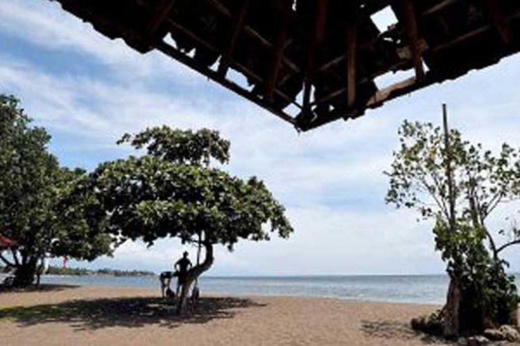 Suasana Pantai Lovina di Kabupaten Buleleng, Bali. Tempat wisata di kawasan Bali utara ini lebih banyak dikunjungi wisatawan asing daripada wisatawan domestik.