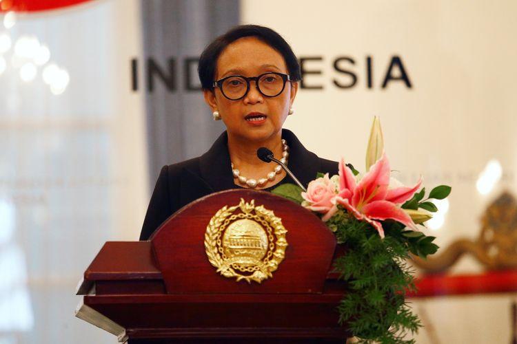Menteri Luar Negeri RI Retno Marsudi dalam konferensi pers bersama Menteri Luar Negeri Jepang Toshimitsu Motegi di Jakarta, 10 Januari 2020.