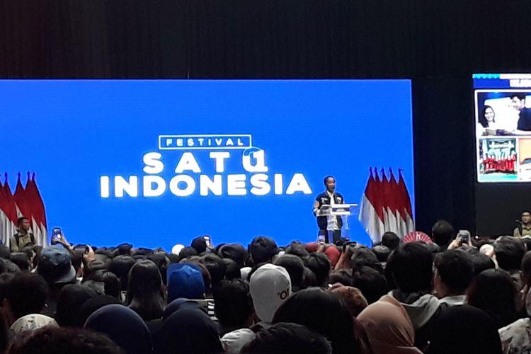 Calon presiden Joko Widodo di Festival Satu Indonesia di Istora Senayan, Jakarta, Minggu (10/3/2019).