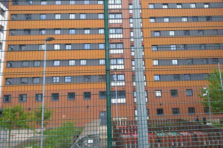 Bangunan flat tempat tinggal skuad Garuda Select di Birmingham, Inggris.