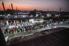 Penumpang KRL Melonjak, KAI Commuter Tegaskan Masih Ada Pembatasan