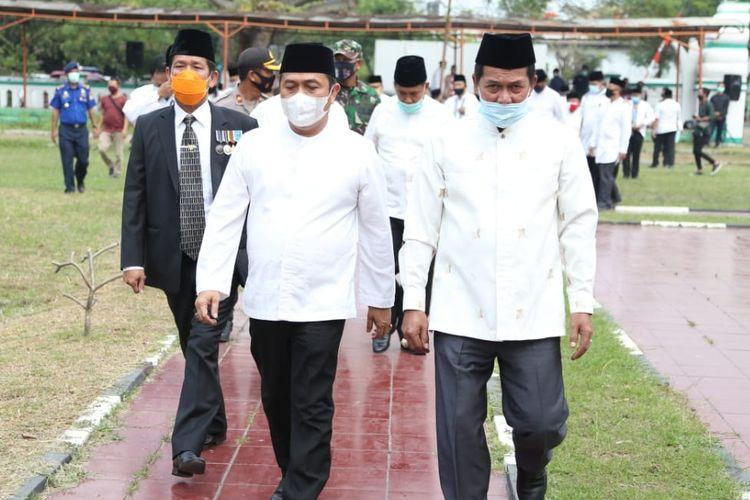 Wali Kota Serang Syafrudin (kanan).