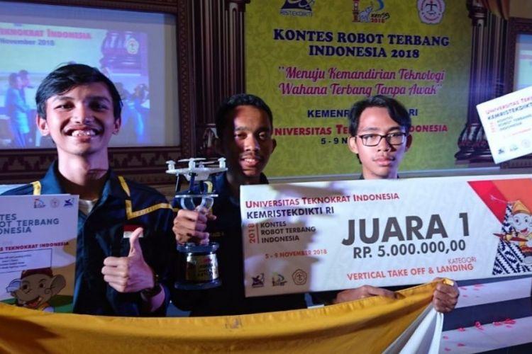 UGM menjadi juara umum Kontes Robot Terbang Indonesia (KRTI) 2018 yang digelar Universitas Teknokrat Indonesia, Lampung 5-8 November 2018.