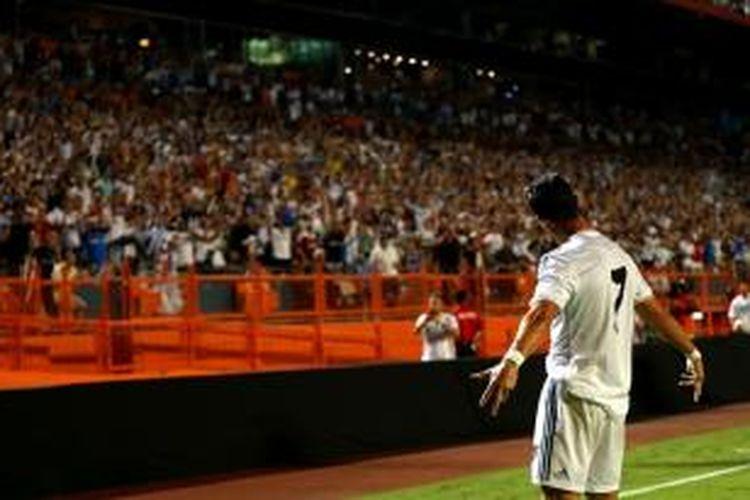 Selebrasi bintang Real Madrid, Cristiano Ronaldo usai membobol gawang Chelsea di final International Champions Cup.
