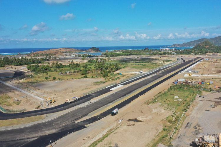 Jalan Kawasan Khusus (JKK) The Mandalika di Lombok, Nusa Tenggara Barat (NTB).