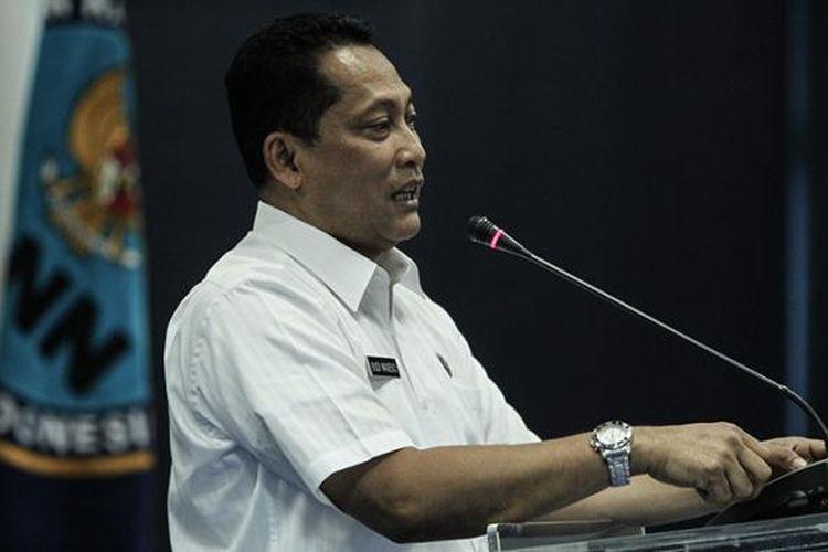 Kepala Badan Narkotika Nasional, Komjen Budi Waseso memberi sambutan saat menerima kedatangan grup Slank di Kantor BNN, Jakarta Timur, Kamis (17/3/2016). Kedatangan Slank dalam rangka silaturahim sekaligus memberi dukungan kepada BNN untuk terus memberantas peredaran narkoba di Indonesia.