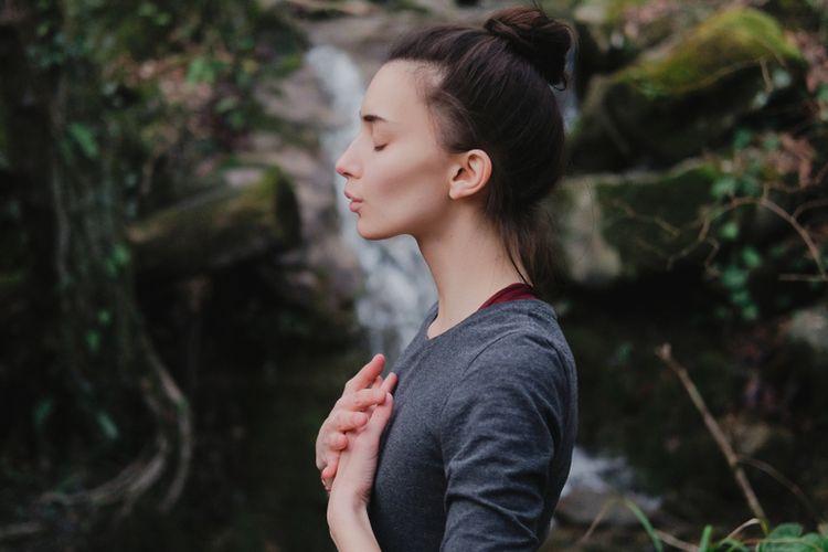 Ilustrasi melatih kesadaran atau mindfulness.