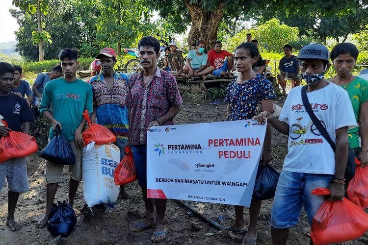 Relawan mitra Universitas Pertamina dan Pertamina Foundation di Sumba Timur