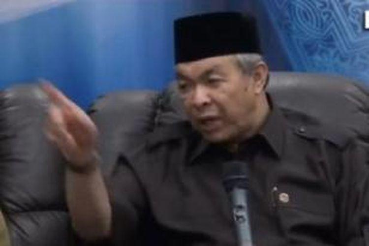Menteri Dalam Negeri Malaysia Zahid Hamidi dituduh mengancam menutup media.