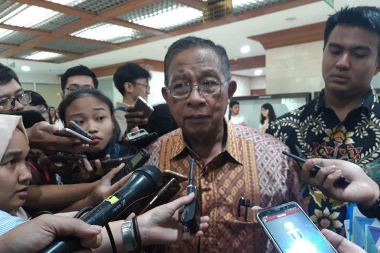 Menteri Koordinator Bidang Perekonomian Darmin Nasution ketika ditemui usai rapat kerja dengan Badan Anggaran DPR RI di Jakarta, Selasa (25/6/2019).