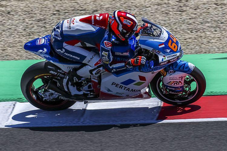 Pebalap Pertamina Mandalika SAG Team, Bo Bendsneyder, saat balapan pada MotoGP Italia 2021