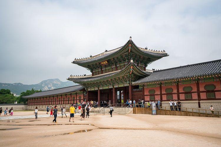 Ilustrasi Korea Selatan - Istana Gyeongbokgung.