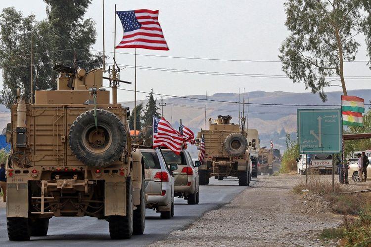 Konvoi pasukan Amerika Serikat tiba di dekat kota Kurdi di Irak, Bardarash, setelah meninggalkan wilayah Suriah, Senin (21/10/2019).