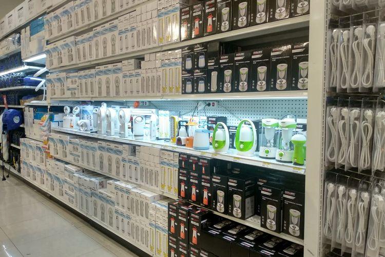 Sejumlah produk darurat yang ditawarkan ACE Hardware.