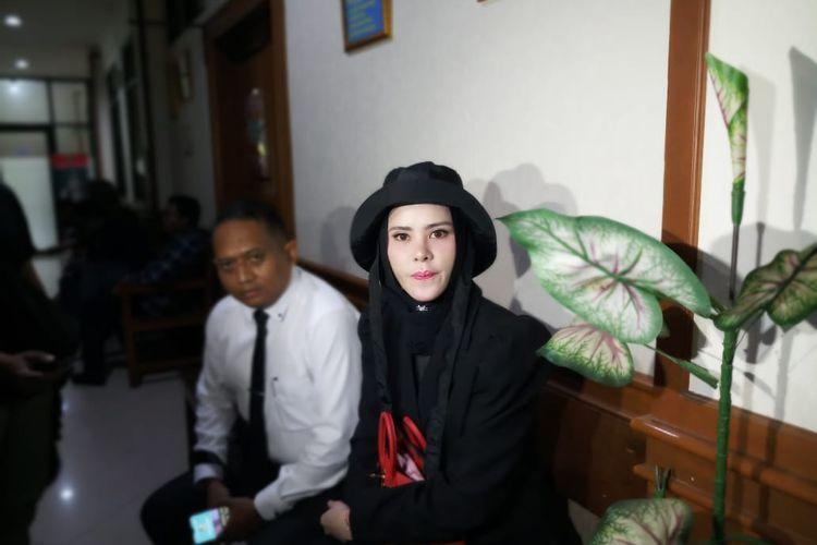 Artis Angel Lelga saat ditemui di Pengadilan Agama Jakarta Selatan, kawasan Ragunan, Jakarta Selatan, Senin (20/1/2020).