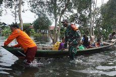 Rumah Terendam Banjir, Bayi Berusia Sehari Dievakusi Gunakan Perahu, Ibu: Tidak Bisa Lagi Bertahan