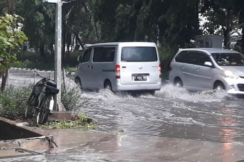 Hujan Deras, Sejumlah Jalan di Sunter Tergenang