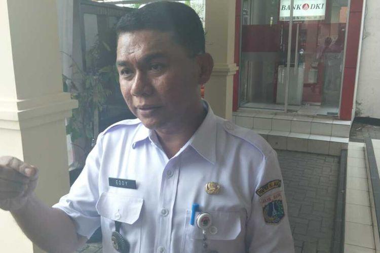 Lurah Cipinang Muara Eddy Sofyan kepada awak media di Kantor Kelurahan Cipinang Muara, Jatinegara, Jakarta Timur, Rabu (12/2/2020).