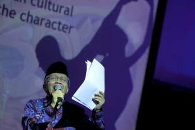 Budayawan Taufik Ismail menyampaikan orasi budaya dalam Pentas Budaya Integritas bertema