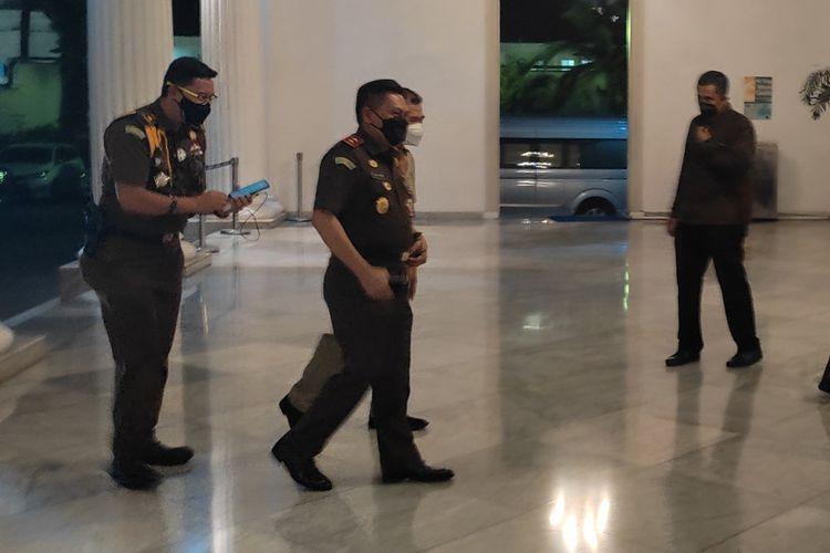 Kepala Kejaksaan Tinggi DKI Jakarta Asri Agung Putra saat tiba di Balai Kota DKI Jakarta, Senin (14/6/2021)
