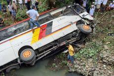 Bus yang Masuk Sungai Bawa 16 Pejabat Agam, Berikut Nama-namanya