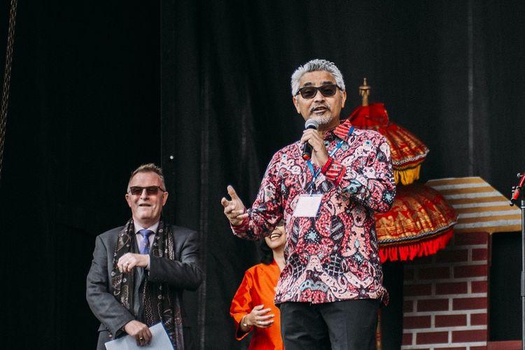 Acara Indonesian Festival 2019 di Kota Gatineau, Provinsi Quebec, Kanada dibuka oleh Duta Besar RI Ottawa Abdul Kadir Jailani (kanan), dan President-CEO Canadian Museum of History, Mark O?Neill (kiri).