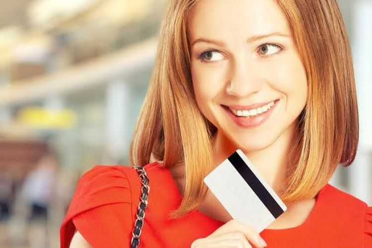 Ilustrasi kartu kredit dan reward poin