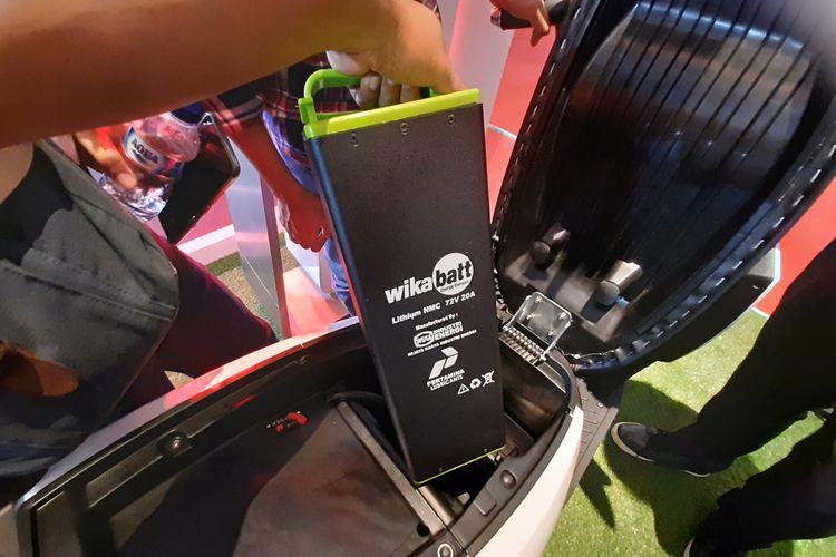 Baterai dari skuter listrik Gesits.