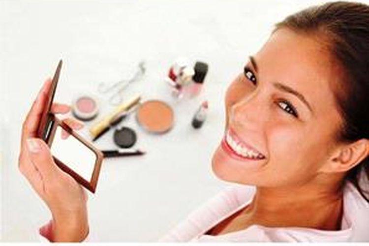 Gimana cara dandan yang tepat untuk kulit wajah yang kering?