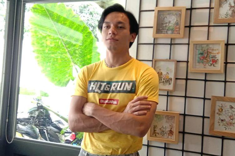 Jefri Nichol menghadiri peluncuran poster film Hit & Run di SRSLY Coffe di Cipete Raya, Jakarta Selatan, Jumat (5/4/2019).