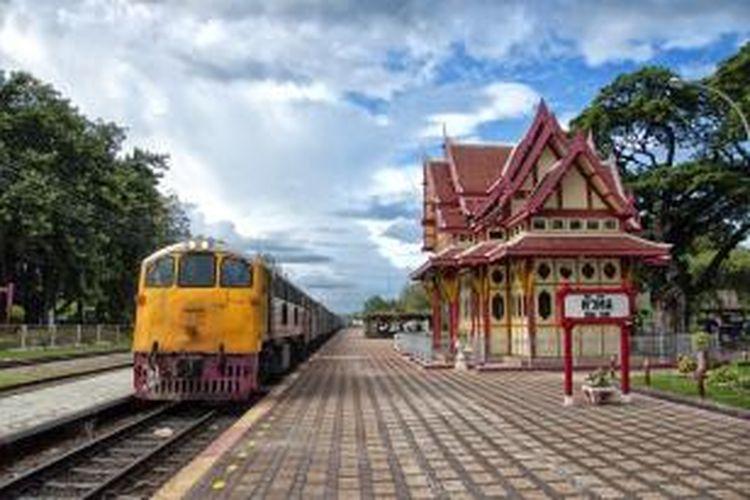 Ilustrasi kereta api di Thailand.