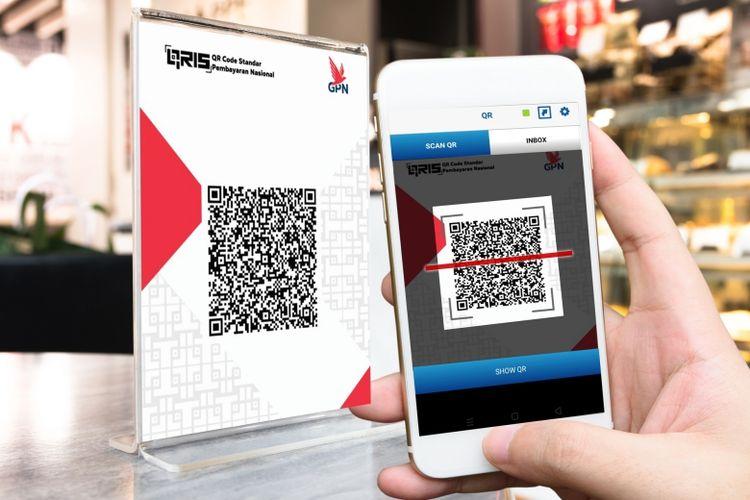 Ilustrasi transaksi nontunai berbasis QR Code dengan aplikasi BCA mobile