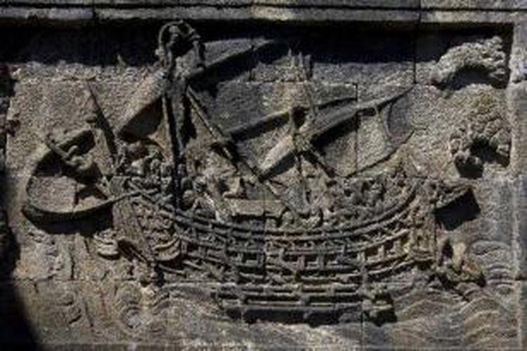Kapal Borobudur adalah kapal layar kayu bercadik ganda yang digambarkan dalam beberapa relief Candi Borobudur.