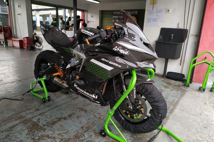 Kawasaki Ninja ZX-25R modifikasi bodi serat karbon