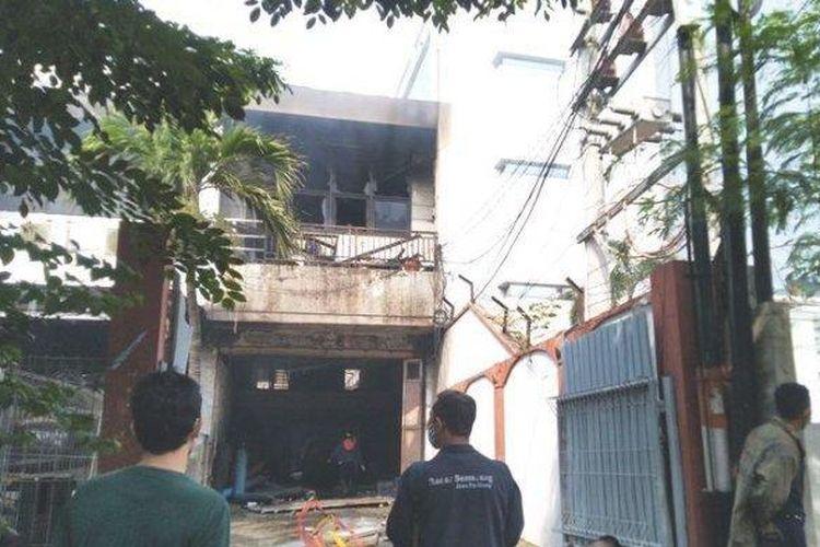 Gudang penyimpanan spiritus di Jalan dr Cipto Kelurahan Rejosari, Kecamatan Semarang Timur, Kota Semarang, terbakar pada Kamis (13/5/2021).