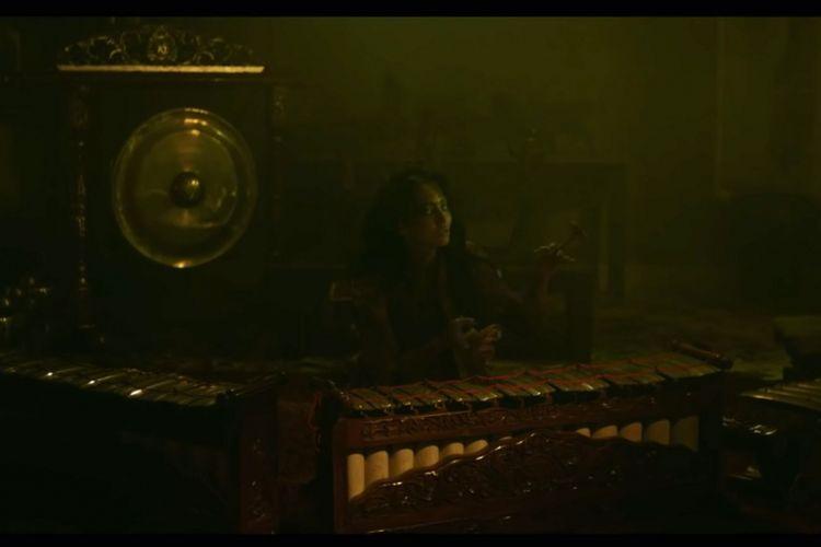 Cuplikan adegan film Tembang Lingsir.