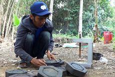 Pemuda Cianjur Daur Ulang Kantong Kresek Jadi Paving Blok