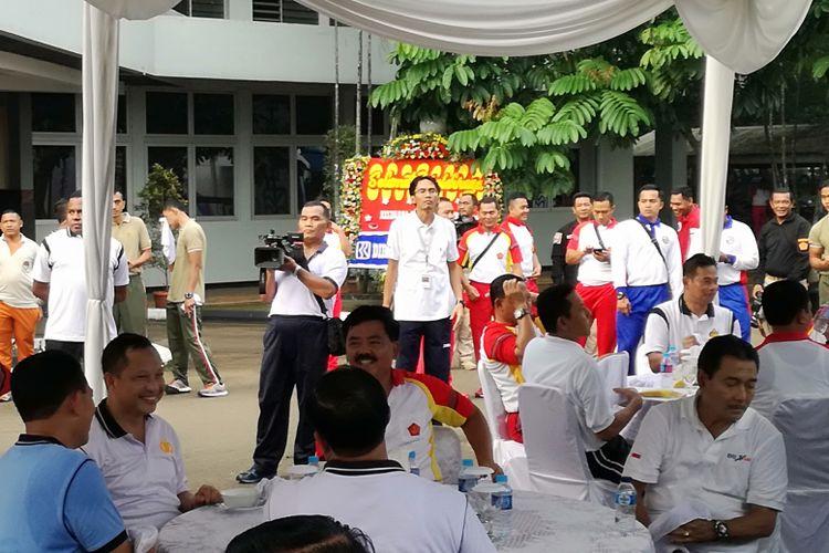 Panglima TNI Marsekal Hadi Tjahjanto dan Kapolri Tito Karnavian saat akan santap sarapan bersama di Mabes TNI, Cilangkap, Jakarta, Selasa (6/3/2018)