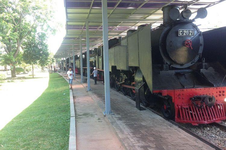 Museum Kereta Api di Ambarawa, Jawa Tengah ramai dikunjungi tiap akhir pekan atau hari libur tiba.